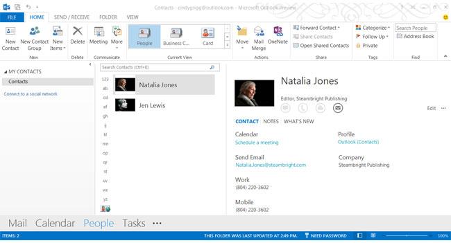В Outlook 2013 разработчики отказались от поддержки импорта и экспорта файлов форматов .xls и .doc
