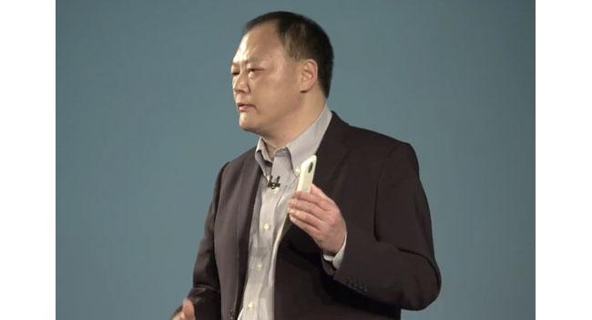 Глава HTC оптимистично настроен на 2013 год