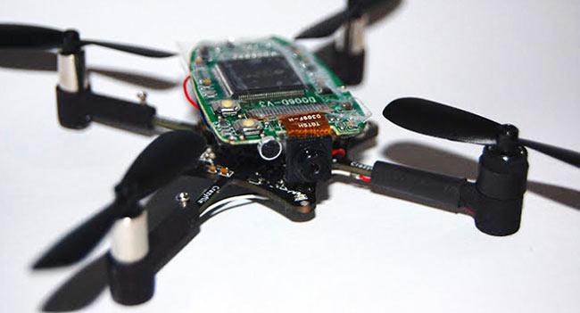 02-Crazyflie-Nano-Quadcopter