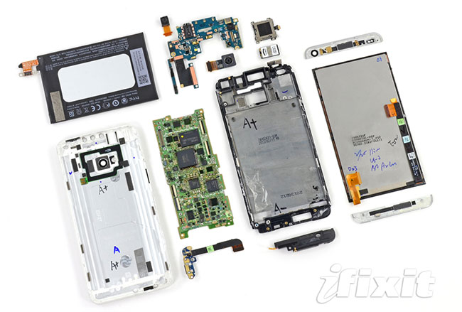 01-2-iFixit-HTC-One