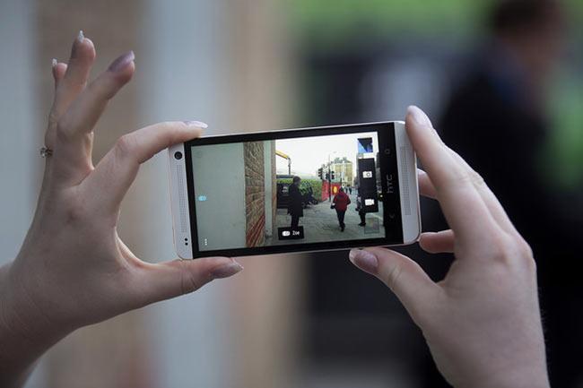 03-2-HTC-One