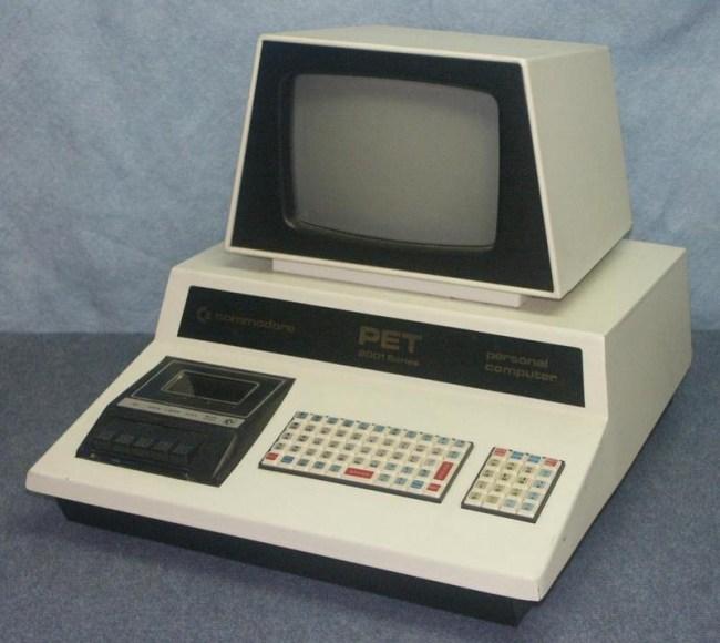 Commodore PET: привлекательный моноблочный дизайн, но крайне неудобная клавиатура