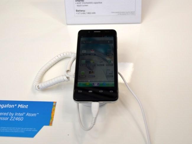 Megafon Mint – смартфон на платформе Intel, разработанный и представленный в кратчайшие сроки
