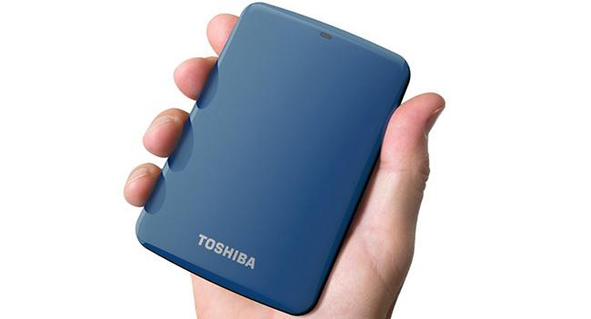 Toshiba анонсировала портативный накопитель Canvio Connect