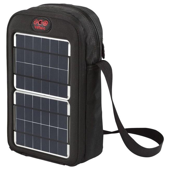 Солнечную батарею Voltaic можно носить у себя за спиной