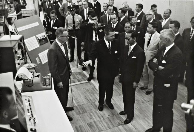 Завод IBM в Сан-Хосе, который в 1960 году посетил король Таиланда, больше не функционирует