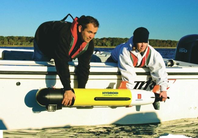 Радиоуправляемая подводная лодка REMUS (Remote Environmental Measuring UnitS)