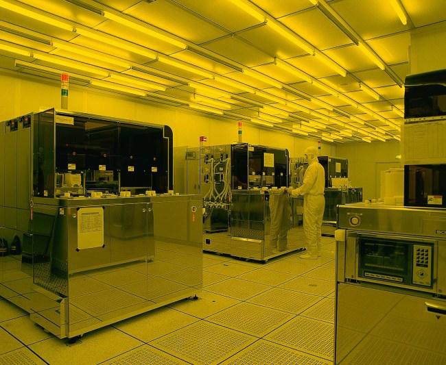 Оборудование на заводе TSMC