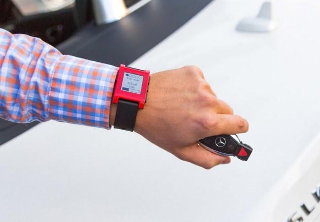 Mercedes-Benz выпустит собственные умные часы для автомобилистов
