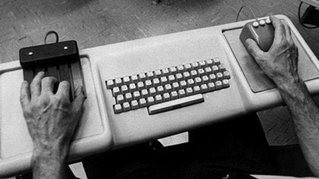 Управление компьютером на презентации 9 декабря 1968 г.