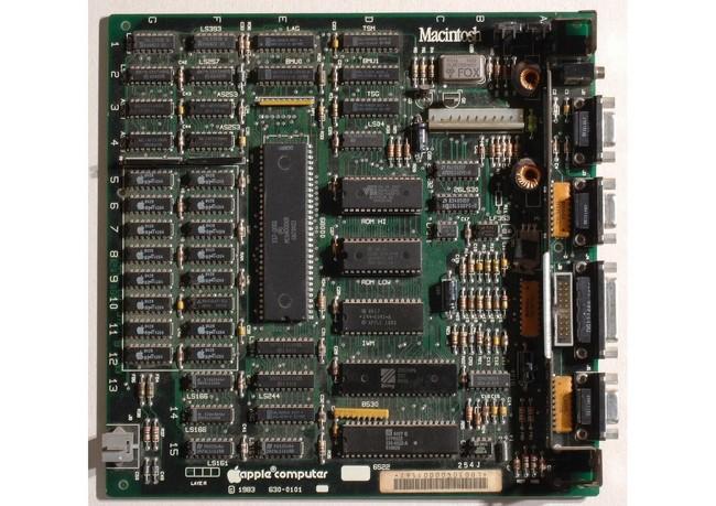 Материнская плата Macintosh 128К
