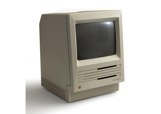 Apple Macintosh SE: процессор Motorola 68000 8 МГц, 1 Мб ОЗУ, дисковод и жесткий диск объемом 20 или 40 Мб (1987 год)