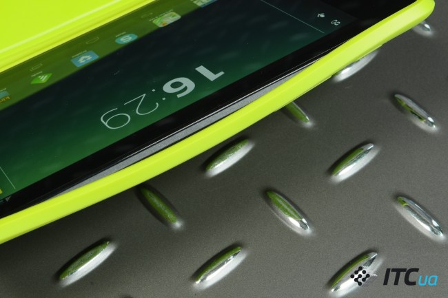 Nexus7-2013-InUse (26)