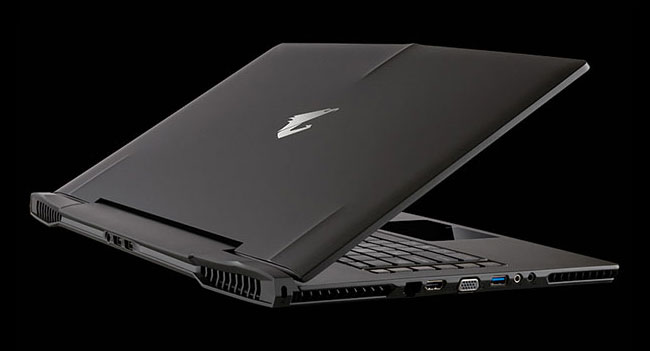 Ноутбук Gigabyte Aorus содержит две видеокарты и имеет толщину менее 1 дюйма