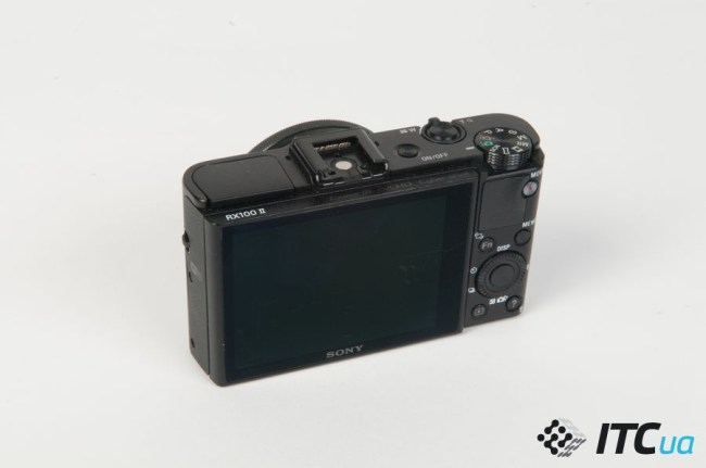 Sony_RX100M2_up