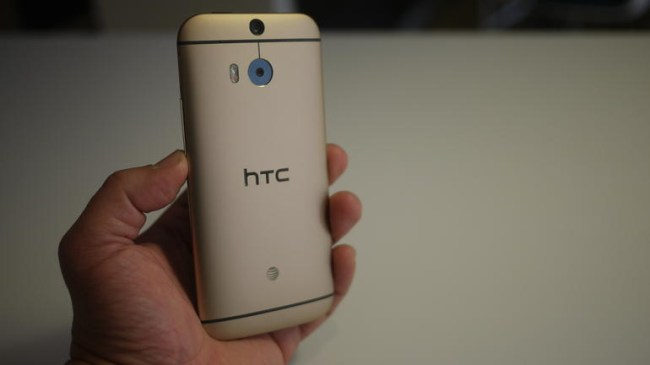 htc-one-m8-rose-gold-back