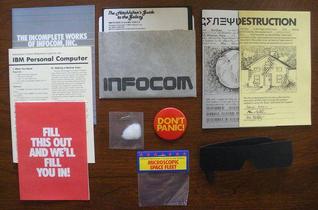 The Hitchhiker's Guide to the Galaxy – это не только дискета и руководство пользователя
