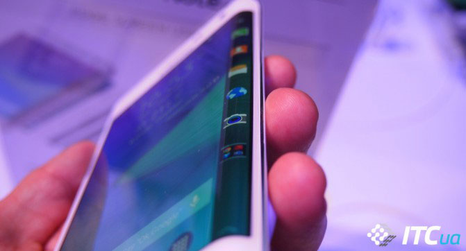 Смартфон Samsung Galaxy S6 может дебютировать во время выставки CES 2015