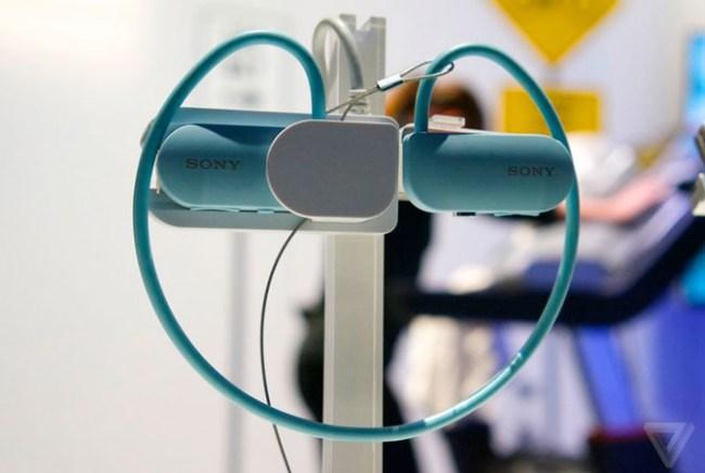Sony Smart B-Trainer - умная гарнитура для занятий бегом