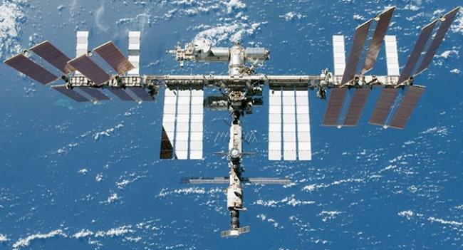Из-за ЧП на МКС астронавты перемещены на российскую сторону станции