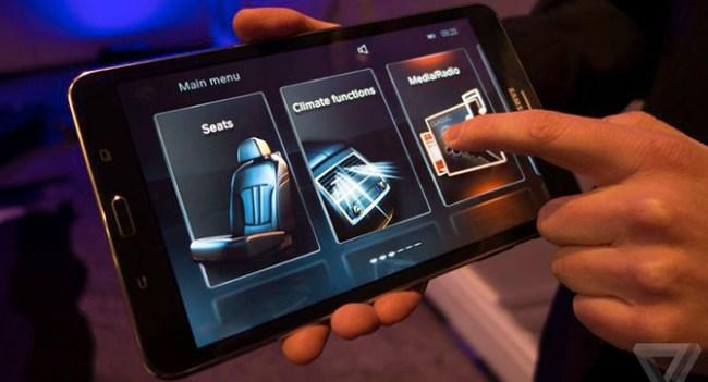 BMW показала новые возможности взаимодействия с автомобильными системами