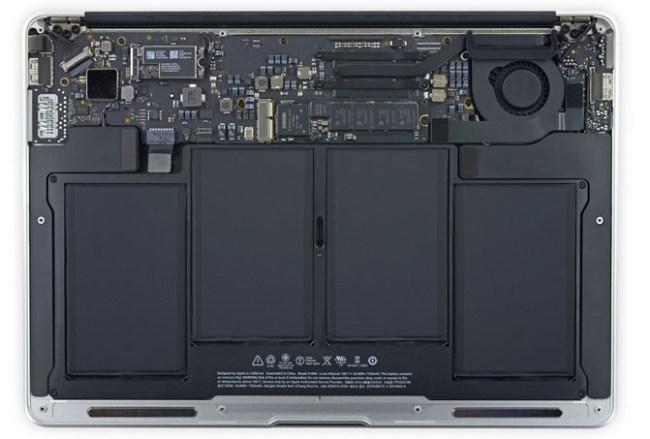 В iFixit разобрали ноутбуки Apple MacBook Air начала 2015 года, оценив их ремонтопригодность и возможность модернизации