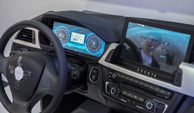Интересно, появится ли прошивка для автомобиля с возможностью менять картинки циферблатов?