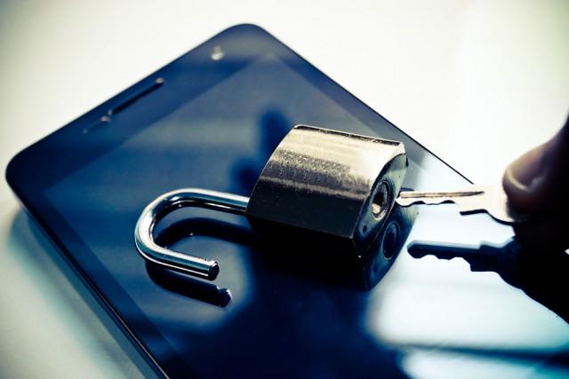 Smartphone-lock-unlocked-key-e1448291142788