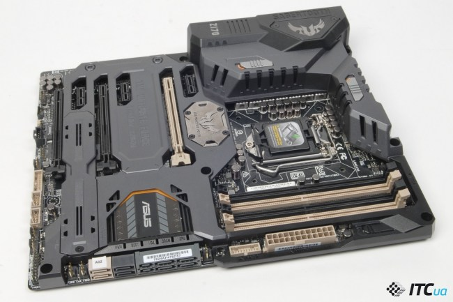 ASUS_SABERTOOTH_Z170_Mark1_2