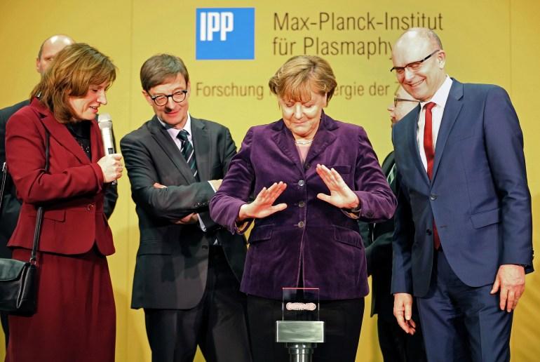 Термоядерный синтез становится на шаг ближе: немецкие ученые успешно запустили экспериментальный реактор Wendelstein 7-X с водородной плазмой