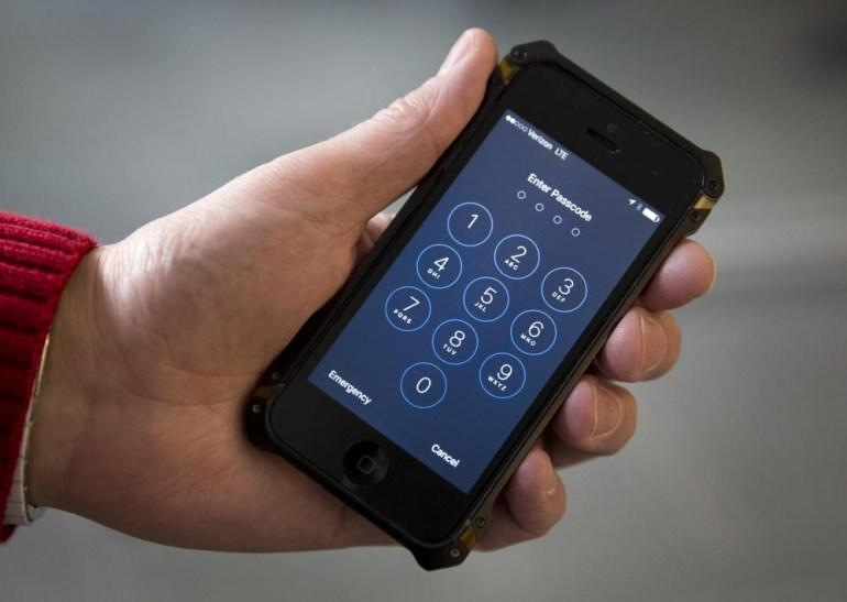 ФБР самостоятельно разблокировало iPhone стрелка из Сан-Бернардино и отозвало судебные претензии к Apple