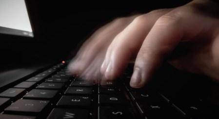 Украинскому хакеру, признавшемуся в краже пресс-релизов в США, грозит до 20 лет тюрьмы