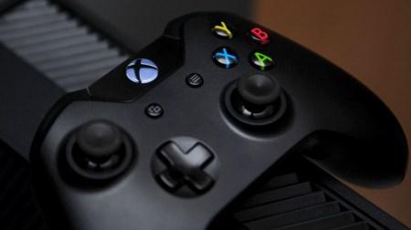 Microsoft выпустит компактную Xbox One в этом году и более мощную модель Xbox One в 2017