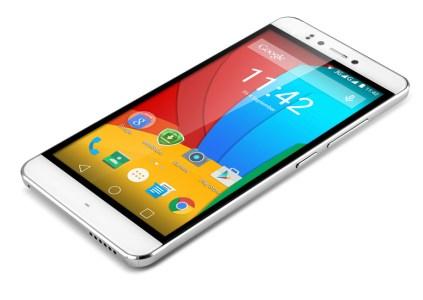 В Украине начинаются продажи доступного смартфона Prestigio Muze D3 с тройной вспышкой
