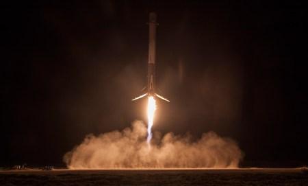 Видео дня: нарезка лучших моментов последних запусков и возвратов Falcon 9 в формате 4К