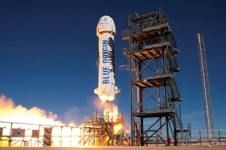 4 октября Blue Origin испытает систему эвакуации экипажа с корабля New Shepard. Глава компании обещает «драму»