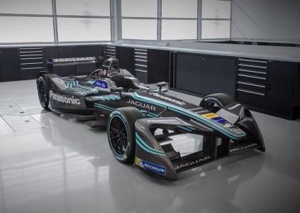 Panasonic стал титульным спонсором команды Jaguar в чемпионате электромобилей Formula E