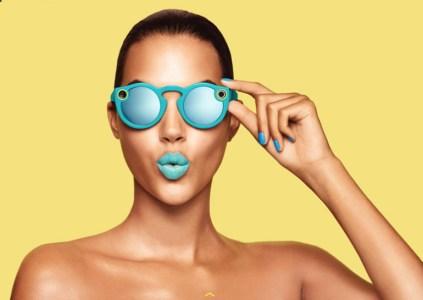 Snapchat превратилась в Snap Inc. и выпустила очки со встроенными камерами Spectacles