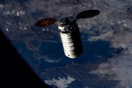 Грузовой космический корабль Cygnus, запущенный ракетой Antares с украинской первой ступенью, пристыковался к МКС