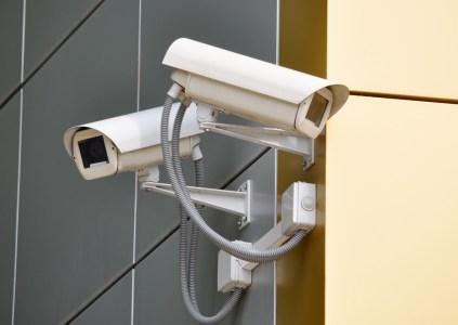 Нацполиция представила умную систему видеонаблюдения UASC, способную распознавать угнанные автомобили и преступников, а также реагировать на вспышки, звуки и другие нетипичные события