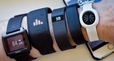 Исследование: для желающих похудеть фитнес-браслеты приносят больше вреда, чем пользы