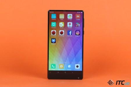 Первый взгляд на «безрамочный» Xiaomi Mi Mix