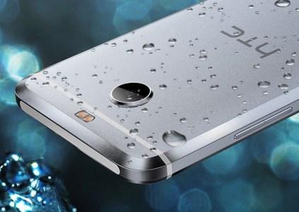 HTC выпустила смартфон Bolt без 3,5-мм звукового разъёма, но с защитой от воды