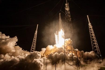 Ожидается, что 16 декабря SpaceX впервые после сентябрьского взрыва запустит ракету Falcon 9