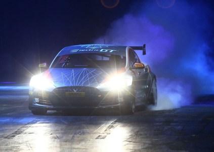 В Великобритании создали гоночную версию Tesla Model S, которая разгоняется до 100 км/ч за 2,1 с