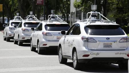 Создатели самоуправляемого автомобиля Google обвинили сотрудников Otto и Uber в краже технологий