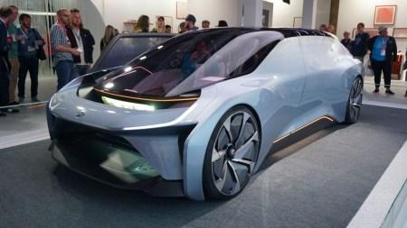 NextEV представила футуристический концепт самоуправляемого электромобиля EVE, в котором можно жить [фото и видео]