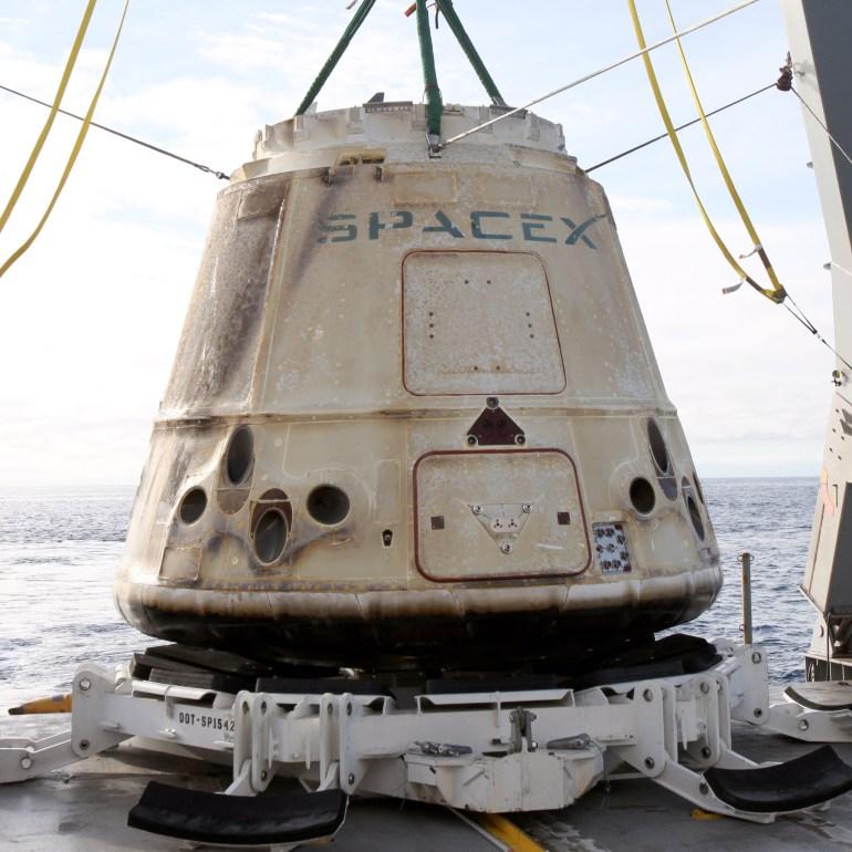 Космический корабль SpaceX Dragon успешно вернулся с МКС [фото]