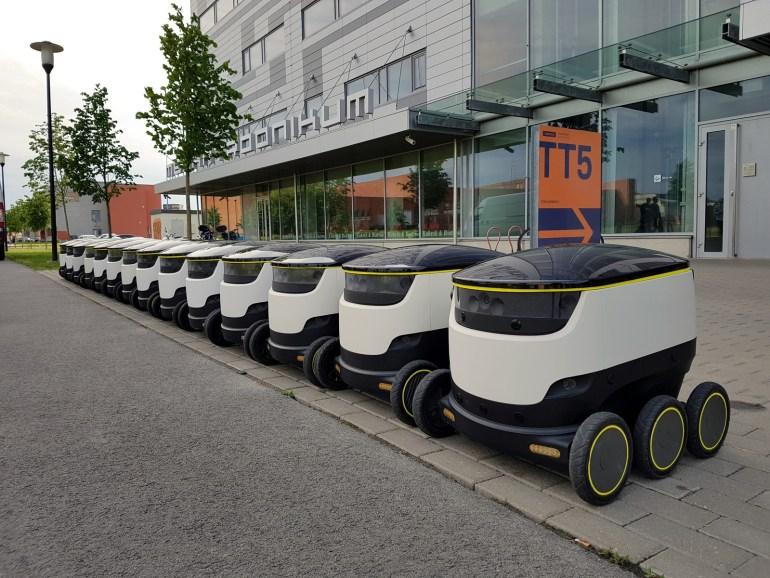 Летом 2017 года Domino's Pizza начнет доставлять пиццу в Гамбурге с помощью автономных роботов Starship Technologies