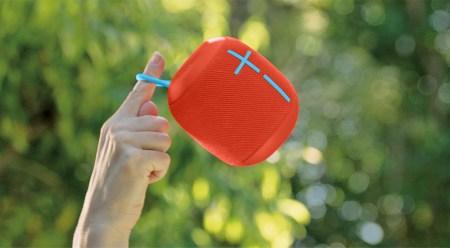 Линейку портативных акустических систем Ultimate Ears пополнила влагозащищенная модель Wonderboom в виде бочонка стоимостью $99